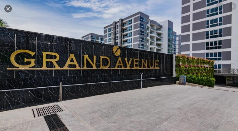Grand-Avenue3.jpg